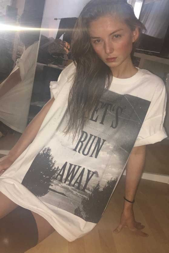 LET`S RUN AWAY T-Shirt - Frauen