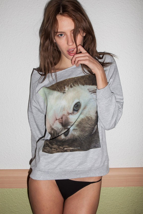 Cute BURMA KITTY Women Sweater